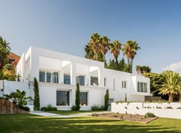Contemporary Villa in El Paraiso Alto - homeandhelp.com