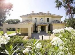 Villa in Altos de Valderrama - homeandhelp.com
