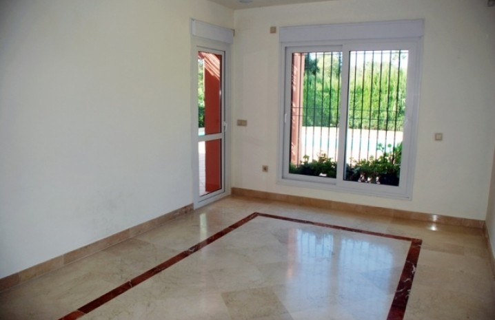 Villa With Golf Views in Sotogrande - 5 - homeandhelp.com