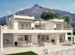 Luxurious Villa in the Heart of the Golden Mile - homeandhelp.com