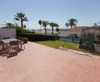 Townhouse with Sea Views in La Duquesa - homeandhelp.com