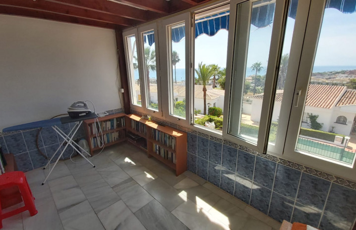 Townhouse with Sea Views in La Duquesa - 8 - homeandhelp.com