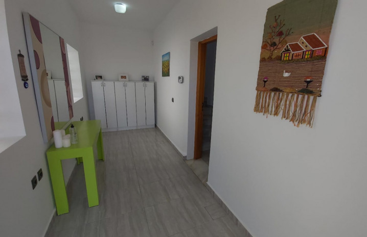 Townhouse with Sea Views in La Duquesa - 3 - homeandhelp.com
