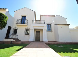 Luxury Villa in Sotogrande - homeandhelp.com