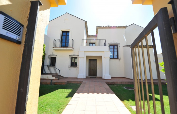 Luxury Villa in Sotogrande - 9 - homeandhelp.com