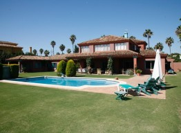 Villa in Sotogrande Costa - homeandhelp.com