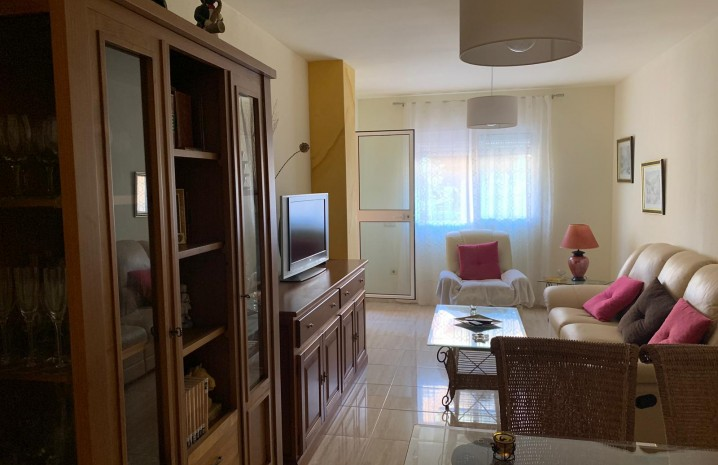 2-Bedroom Apartment in Sabinillas - 8 - homeandhelp.com