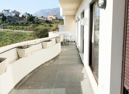 Duplex Penthouse in Estepona Port - homeandhelp.com