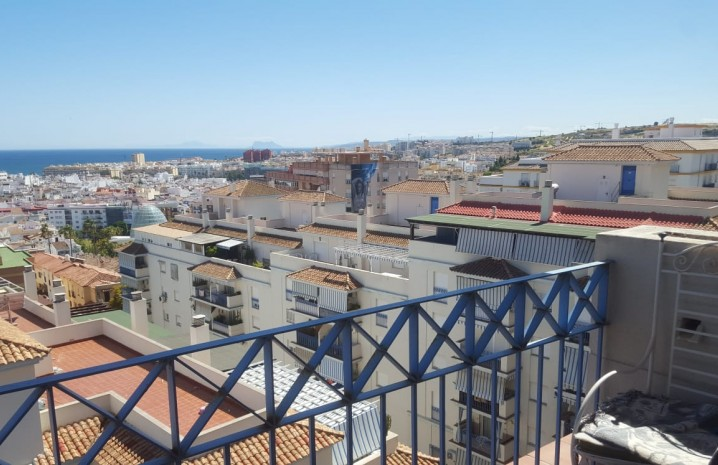 Apartment with Panoramic Sea Views in Estepona - 16 - homeandhelp.com