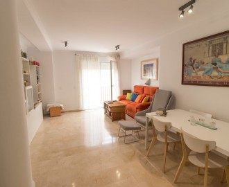 Beachside Apartment in Sabinillas - homeandhelp.com