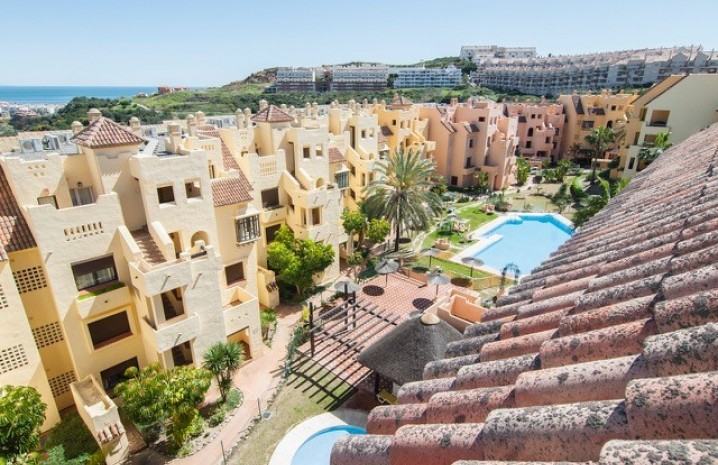 Luxurious Penthouse in Duquesa Village - 12 - homeandhelp.com