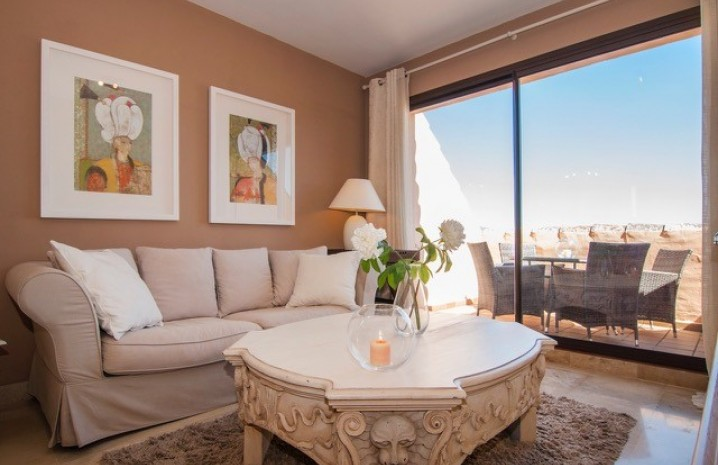 Luxurious Penthouse in Duquesa Village - 10 - homeandhelp.com