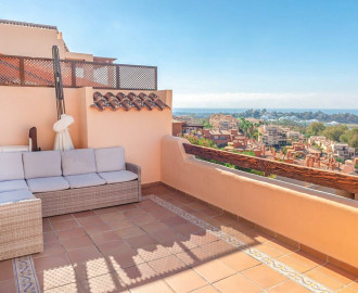 Renovated Apartment in Benahavis - homeandhelp.com